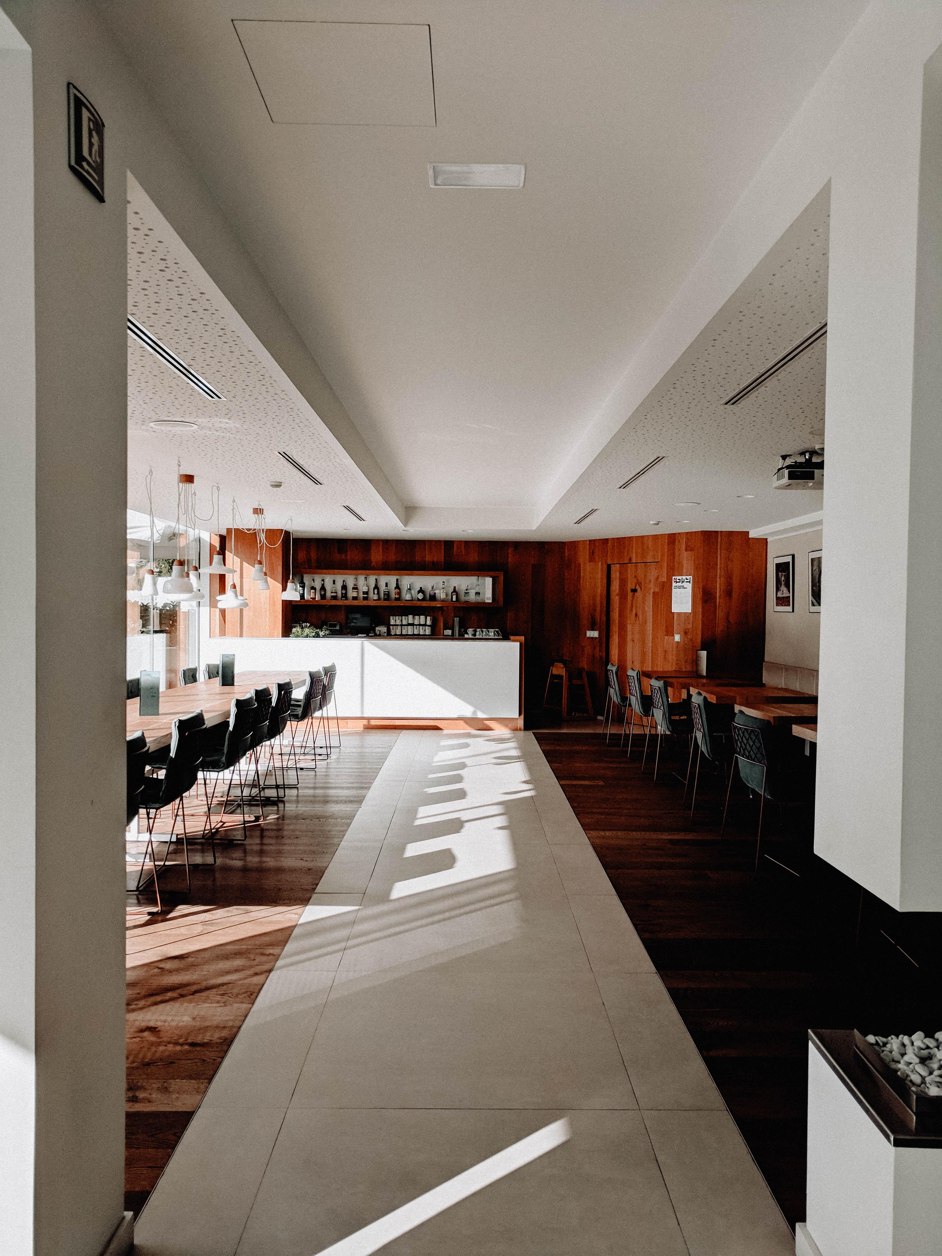 Emocions Sorli Hotel lobby interiors
